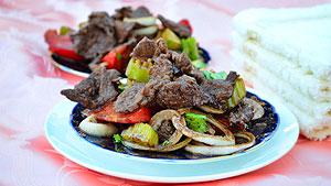 Лангет – жареное мясо с овощами в соевом соусе