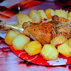 Запеченный картофель с куриным мясом в рукаве