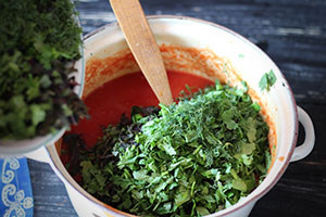 Универсальный томатный соус на зиму