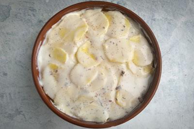 Сливочная запеканка с курицей и картофелем