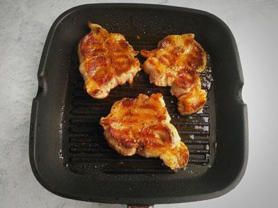 Жареное мясо на гриле